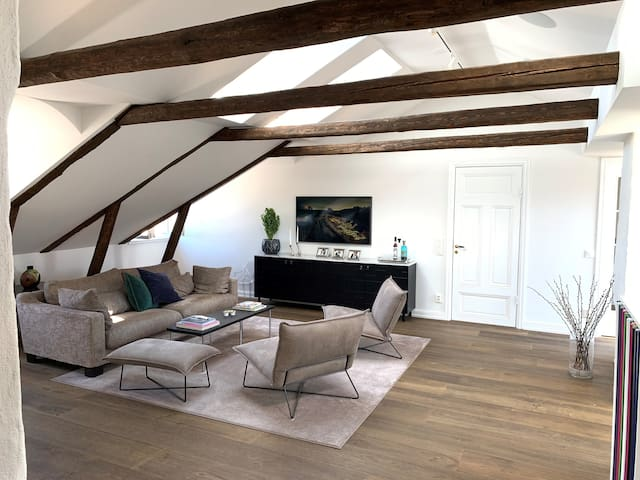 Top renovated penthouse in Östermalm!