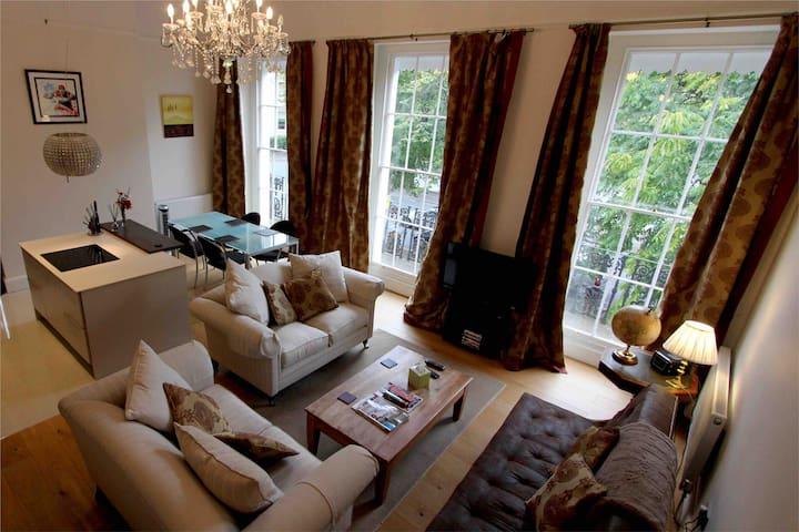 5* luxury elegant regency flat, off road parking