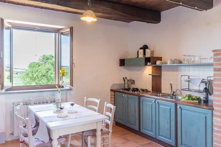 """Nettuno"" cozy apartment in farmhouse with pool"