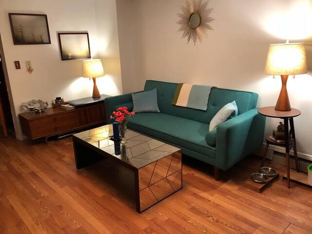 Private Bedroom w/ Private Entrance-Williamsburg!
