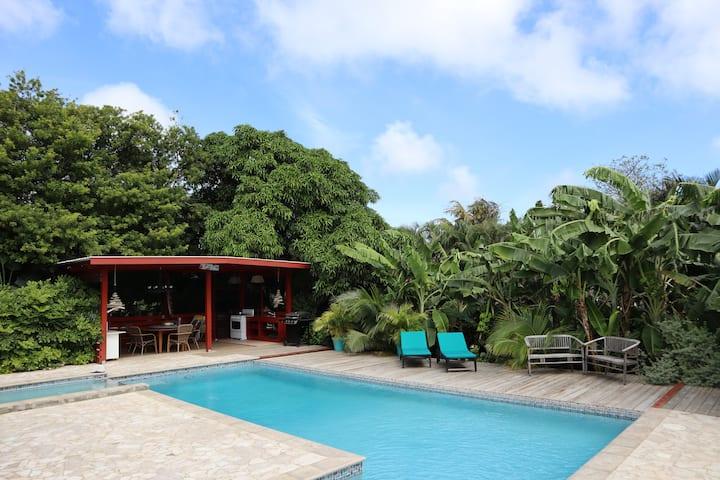 Amigunan, tropisch mini resort - PABOU 1-4p