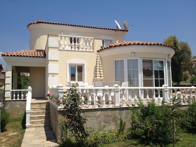 Suncity villa, Kusadasi - Davutlar Belediyesi - House