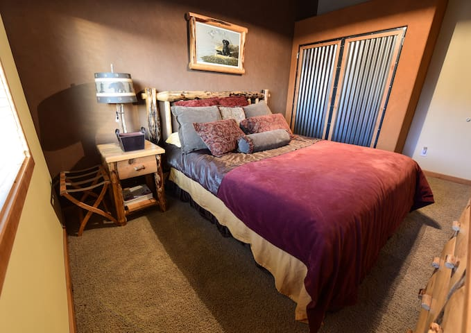 Master Suite at Weiser Executive Retreat - Weiser - Jiné