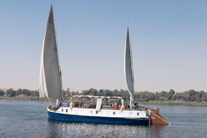 Sandalenkreuzer über den Nil, Ägypten sonst.