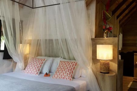 colibri-Bungalow-Romantic-Private Bathroom-Park View