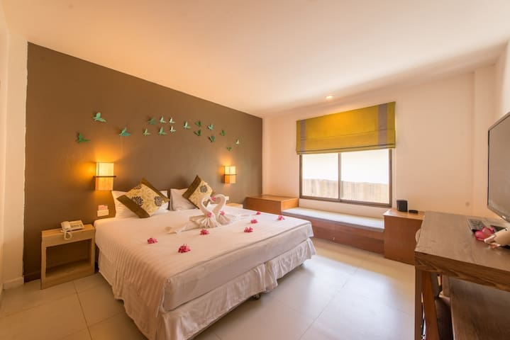 Superior Room with breakfast @The Viridian Resort - Phuket - Bed & Breakfast