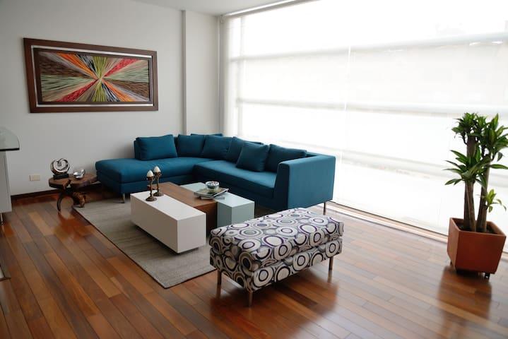 Amazing Apartment. Ideal Location.