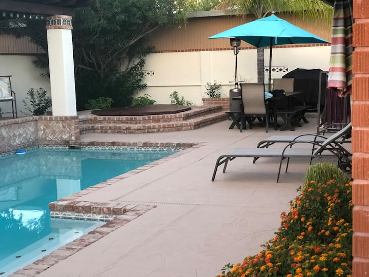 Enjoy your private resort in the heart of Tucson!