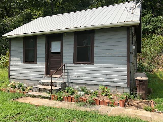 Dona's Cabin