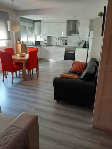 Apartment with 2 bedrooms and 2 bathrooms, 500 m from the beach.