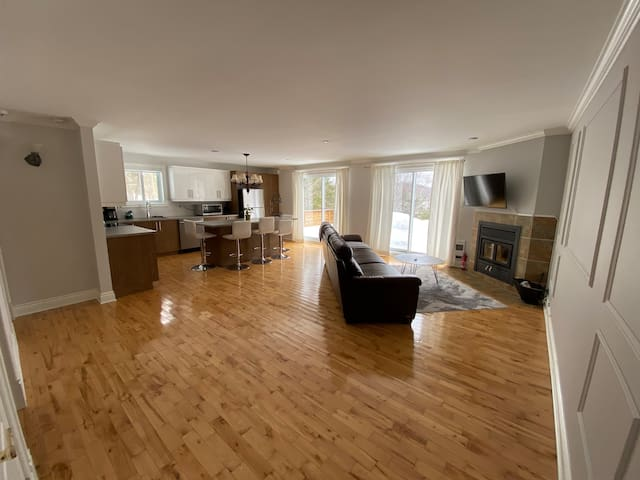 Suite in the Laurentians *Sterilized for isolation