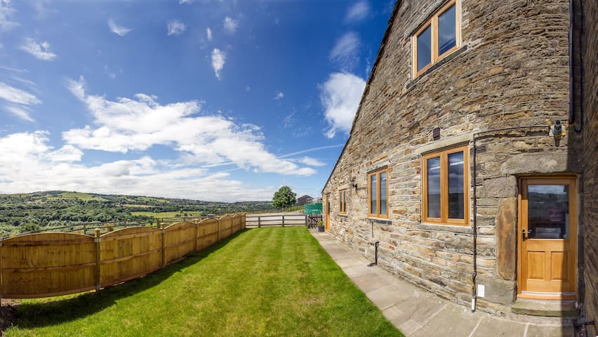 Lovely converted barn New Mills Peak District - Derbyshire - บ้าน