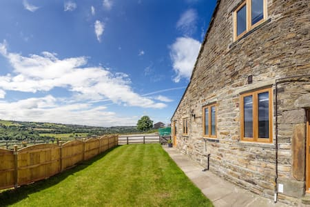Lovely converted barn New Mills Peak District - Derbyshire - Casa