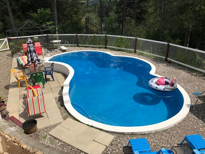 Piscine privée, Val-David, Laurentides