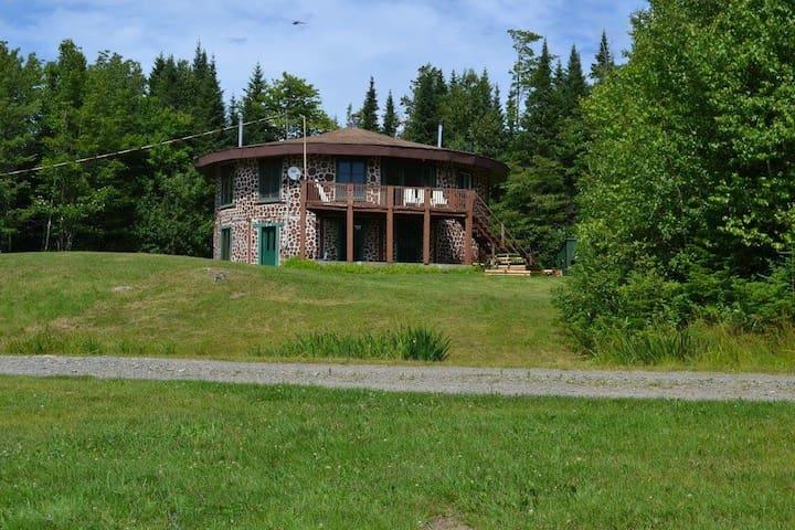 Chalet unique en pleine forêt - Val Racine