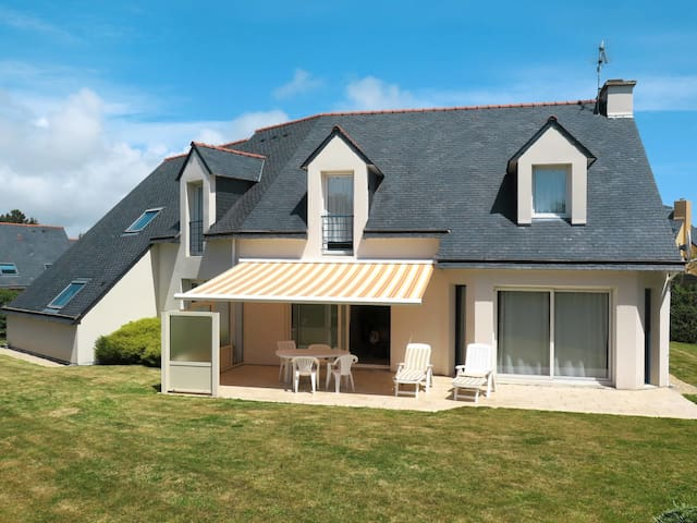 Holiday home in Plougonvelin for 6 persons