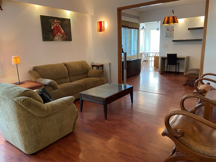 Modern 4 Bed Apartment in Mar Takla with Terrace