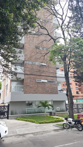 New furnished apartment. Near from Metro station - Medellín - Apartemen