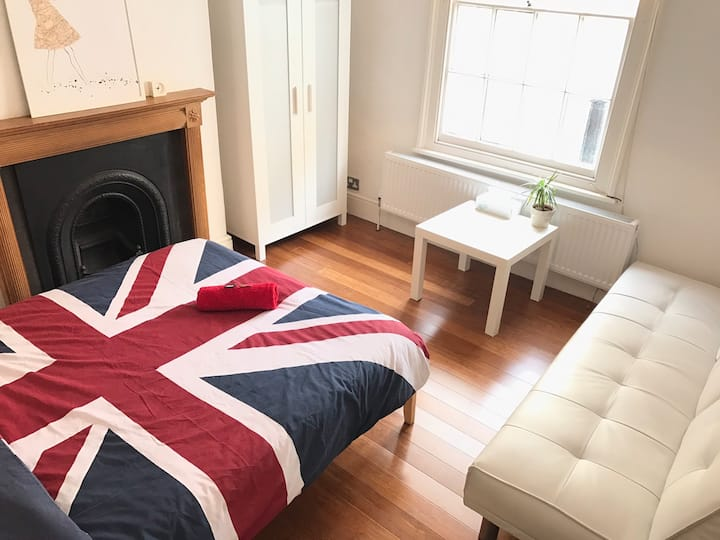 5. Lovely Room Free WIFI Centre London