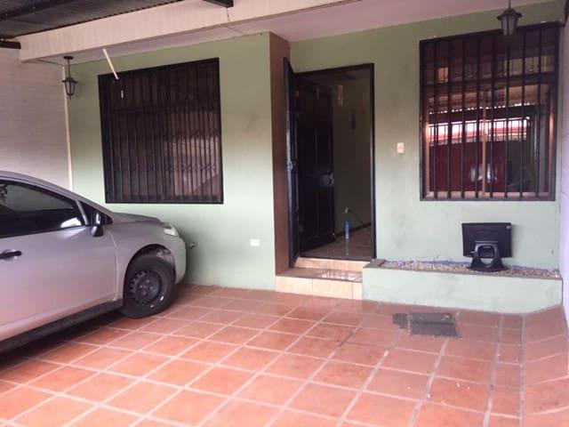 Apartamento en Alajuela - Calle flores