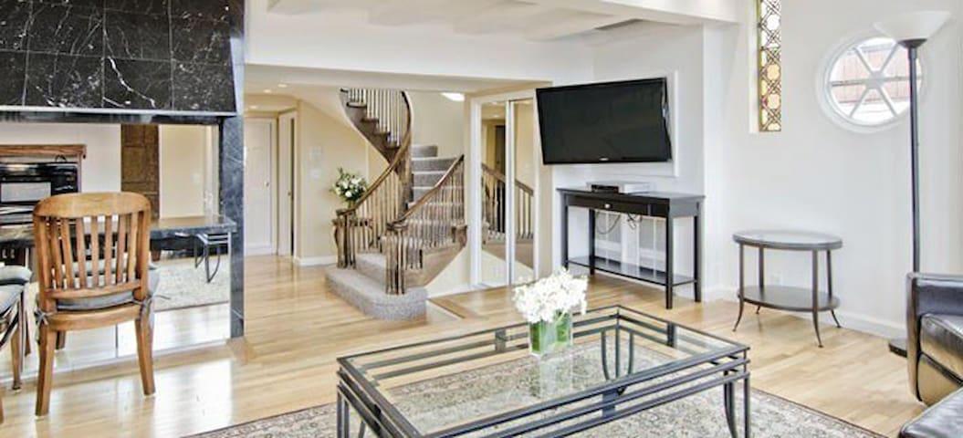 New Beacon Back Bay Great 3BR 3 Bath Penthouse Apt - Boston - Apartmen