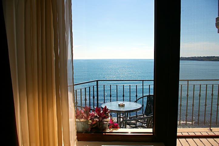 Sea View Apartment- home on the See - Sozopol - Apartment