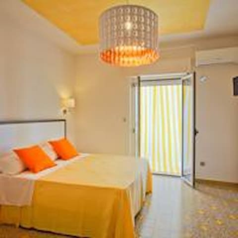 Il Quadrato B&B VISTA MARE - Schiavonea - Bed & Breakfast