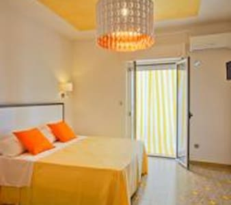 Il Quadrato B&B VISTA MARE - Bed & Breakfast
