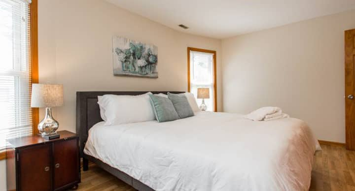 Clean Newly remodeled 2 bedroom apartment.