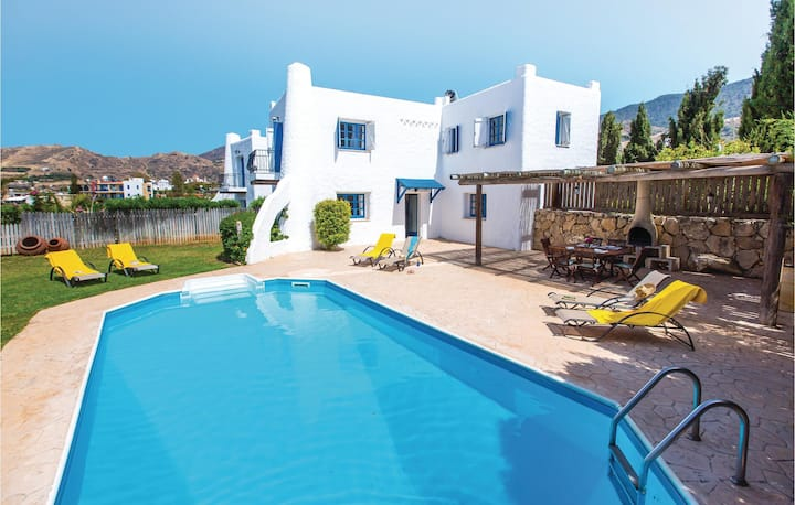 Awesome home in Pomos with WiFi and 3 Bedrooms