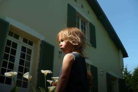 Maison Casteras - Saubrigues - Talo