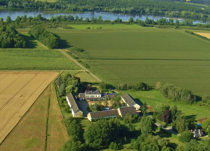 Dans une ancienne ferme du château de Sully/Loire