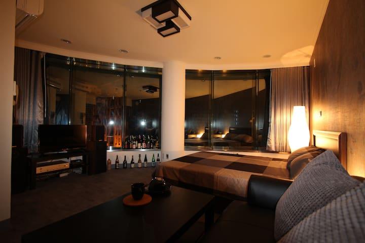 7樂華景觀套房;頂溪MRT8分鐘,鬧中取靜有電梯、洗衣機。可簡單炊煮