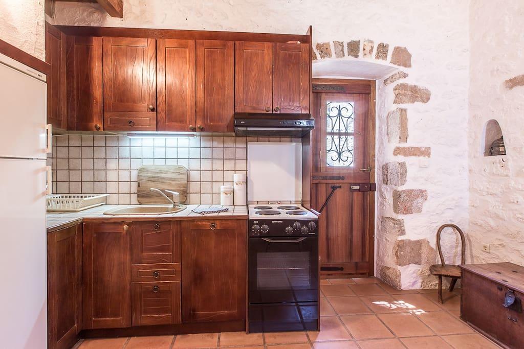 Kitchen (Elia Cottage)