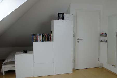 Komfortables Dachstudio, Comfortable Loft-Studio. - Apartment
