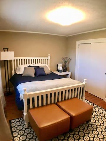 Bedroom 3:  Queen bed with brand new mattress!