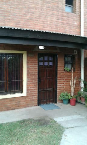 SIMONA HAUSE