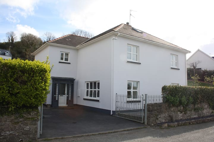 Amroth Holiday home with Sea Views