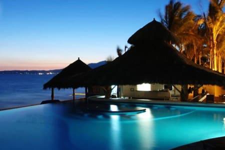 Ocean Front, Luxury Condo,2 free massages & bikes! - Nuevo Vallarta - Condominium