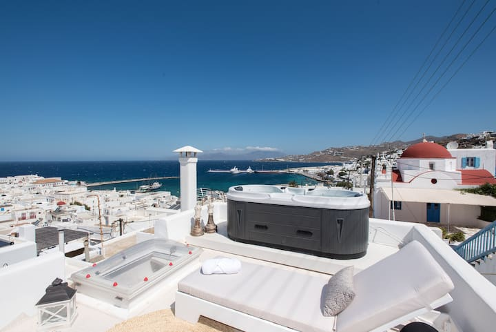 Star of the Sea | Outdoor Jacuzzi | Mykonos Town