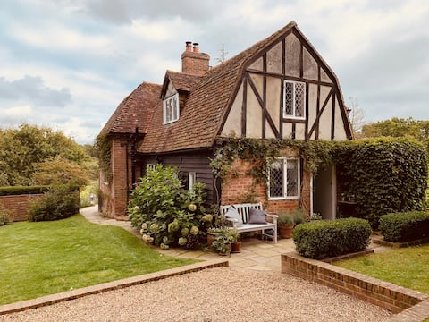Quintessential English country cottage