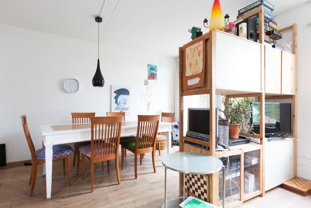 modernes haus mit turm und garten h user zur miete in nimwegen gelderland niederlande. Black Bedroom Furniture Sets. Home Design Ideas