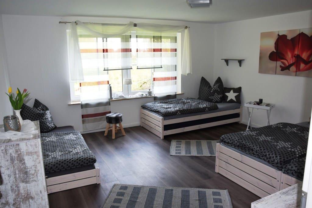 pension waldstube wohnungen zur miete in l hne nordrhein westfalen deutschland. Black Bedroom Furniture Sets. Home Design Ideas