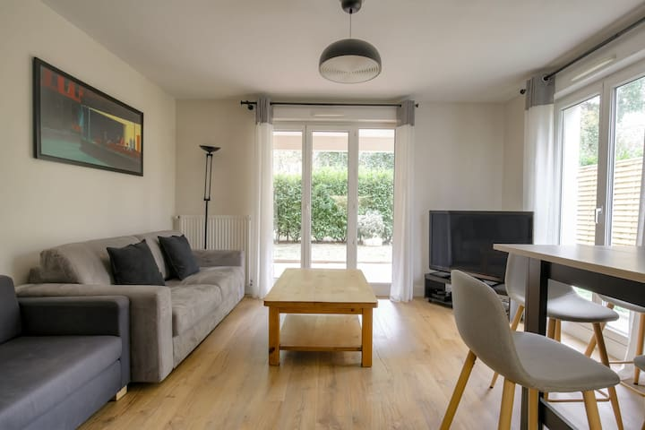 BEAUTIFUL APARTMENT WITH TERRACE - LYON