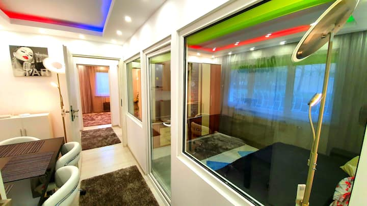 Luxury Paul apartment green,  private & accessible