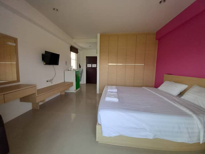 Strategic Apartment near Wat Arun at Ruan Plaisoi