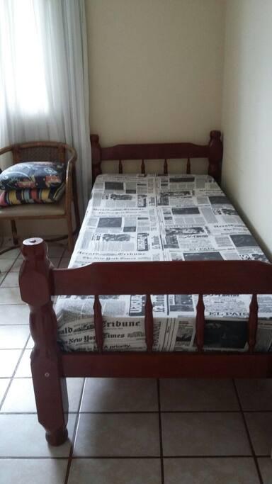 Quarto cama de solterio