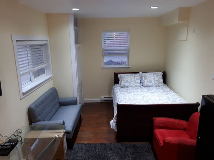 1 BEDROOM SELF CONTAINED PRIVATE UNIT