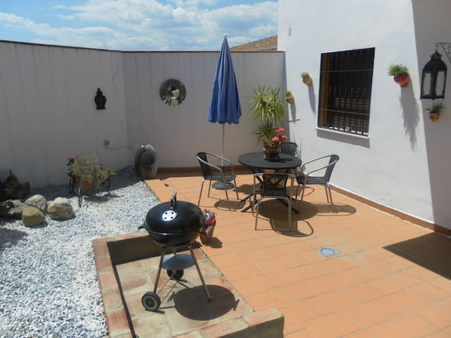 Apt Satchell (2), grnd flr+garden - Alcaucín - Departamento