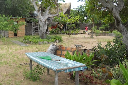 Self-catering Holiday Accommodation in Tofo, Moz - Tofo Beach - Altro
